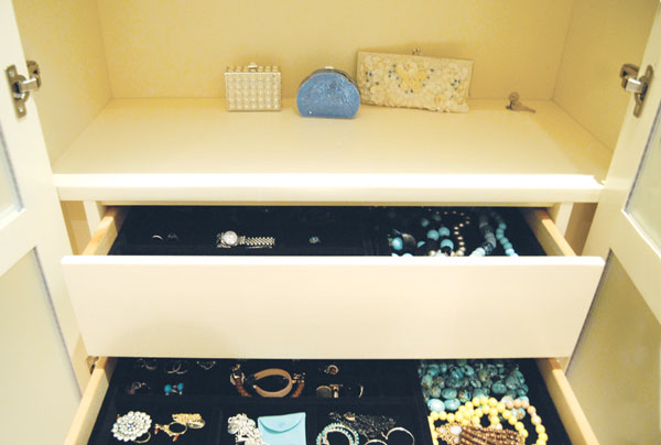 Velvety Drawer Inserts By Affordable Closets Plus Keep Various Pieces Of  Jewelry Organized And Untangled. Courtesy Of Affordable Closets Plus LLC.