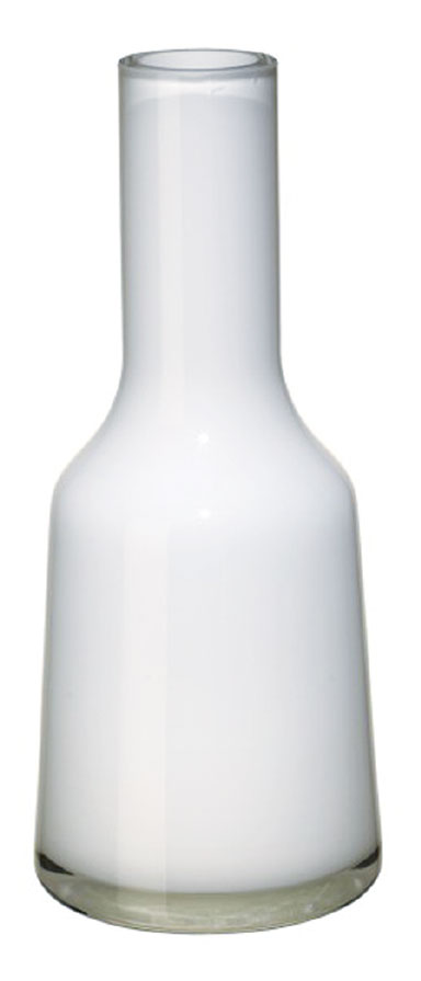 The Nek Vase (73/4 inches tall at $29.95, 12½ inches tall at $59.95) is shown in Arctic Breeze. Other colors are available.